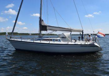 Dehler 34 yacht